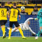El Barcelona se salva de la derrota y el Liverpool se hunde en Nápoles