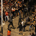Independentistas catalanes salen a protestar tras la condena a sus líderes en España