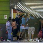 Siete muertos dejan las protestas y saqueos en Chile
