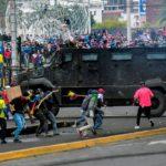 El gobierno de Ecuador baja los precios de los combustibles tras el acuerdo con los movimientos indígenas