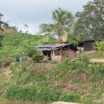 """""""Si regreso ahí me pueden matar"""". La historia de una mujer a la que los colonos le invadieron su propiedad en una comunidad indígena en Bosawas"""