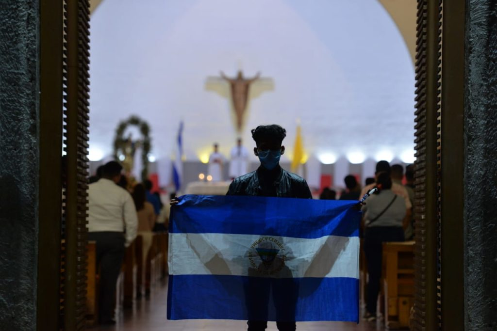 protesta en catedral de Managua