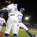 Cheslor Cuthbert pega su primer jonrón en la liga mexicana