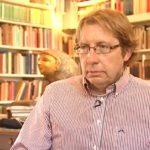 El académico de Oxford acusado de vender fragmentos de biblias antiguas a una familia multimillonaria de EE.UU.