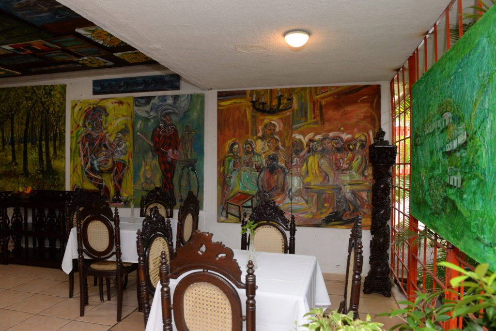 Galería de arte en Hotel Arcángel