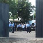 Familiares de presos políticos fueron detenidos por la Policía Orteguista cuando se dirigían a Masaya a dejar agua a la parroquia San Miguel Arcángel
