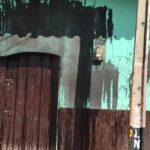 Fanáticos orteguistas manchan con aceite negro casa de opositor en Somoto, Madriz