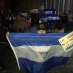 Ciudadanos realizan plantón en Catedral de Managua por los reos políticos