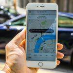 La paradoja de Uber: cómo la aplicación libera y encadena a sus conductores en la «economía colaborativa»