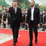 Bukele visita China: el histórico acercamiento de El Salvador a Pekín y la «gigantesca cooperación» que recibe a cambio