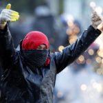 La controversia en Colombia por la detención y traslado de dos manifestantes en vehículos particulares