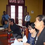 Madre pide a juez que libere a su hijo, acusado de matar a su hermano