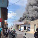 Un incendio afecta al menos tres viviendas en León, entre ellas, la de un reconocido opositor