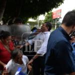 Empujones, golpes y patadas. Las imágenes de la represión de la Policía Orteguista