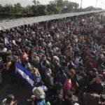 Migrantes centroamericanos entregaron en la frontera mensaje para López Obrador