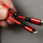 Apple: por qué Europa quiere forzar al gigante tecnológico a que deje de usar su cable «lightning»