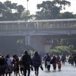 Seguridad Nacional lanza fuerte advertencia a migrantes en caravana hacia EE.UU.