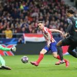 Cae el campeón: el Liverpool es bajado de la nubes por un monumental Atlético de Madrid