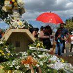 Míster Teen Nicaragua 2010 fue enterrado junto a los restos de su madre