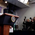 Estados Unidos calcula habrá al menos 100,000 muertos por Covid-19 en el país