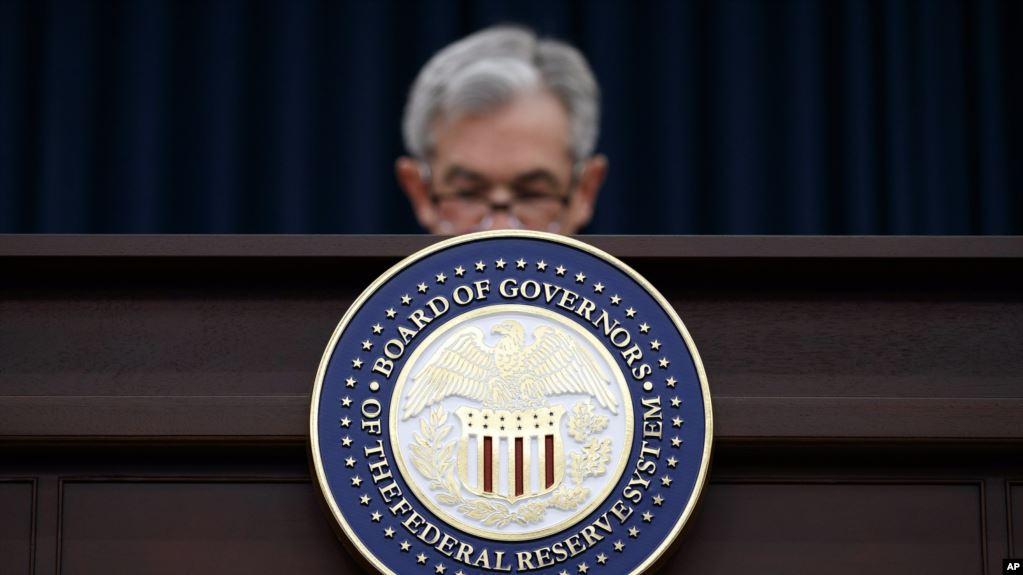 Baja el peso tras el recorte de tasas de la Fed