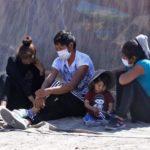 El drama de los 150 bolivianos atrapados en Chile por el cierre de fronteras (y la controversia internacional generada por su situación)