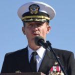 El polémico despido del capitán de un portaviones de EE.UU. que alertó sobre un brote de covid-19 a bordo
