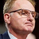 Dimite secretario interino de la Armada de EE.UU., tras insultar a capitán de un portaaviones