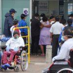 """Médico en Guayaquil, Ecuador: """"La situación en los hospitales está colapsada"""""""