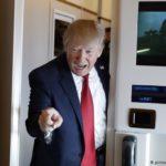 Trump amenaza con «regular» o incluso «cerrar» redes sociales