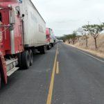 Transportistas nicaragüenses bloquean frontera con Costa Rica en protesta a las medidas del gobierno tico