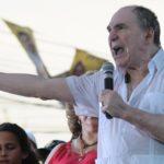 Abdalá Bucaram: detienen en Ecuador al expresidente que solo gobernó seis meses y pasó 20 años en el exilio acusado de corrupción