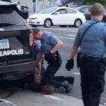 Endurecen cargos contra policía que asfixió a George Floyd