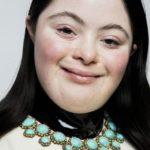 Quiés es Ellie Goldstein, la primera modelo con síndrome de Down en aparecer en Vogue