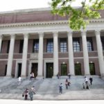 Harvard y MIT demandan al Gobierno de EE. UU. por norma para visas de estudiantes