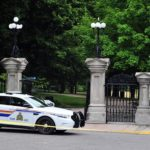 Trudeau: detienen a un militar armado que irrumpió con una camioneta en el complejo donde reside el primer ministro de Canadá