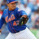 Erasmo Ramírez dando la pelea por un espacio en los Mets