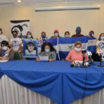 Familiares de presos políticos mantienen presión a la Coalición Nacional