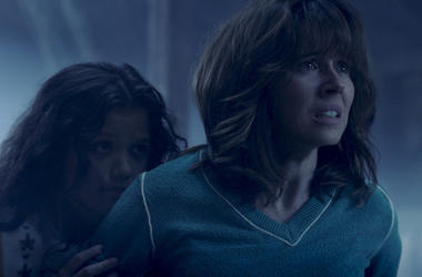 "This image released by Warner Bros. Pictures shows Jaynee-Lynne Kinchen, left, and Linda Cardellini in a scene from ""The Curse of La Llorona."" (Warner Bros. Pictures via AP)"