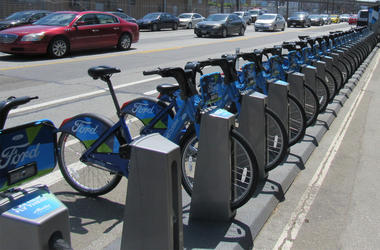Ford GOBikes on Townsend Street in San Francisco (Photo credit: KCBS Radio)