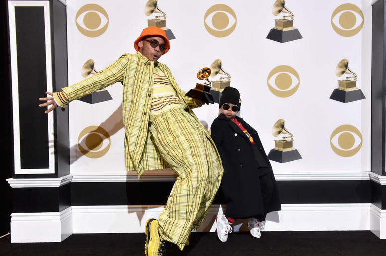 Anderson .Paak (L) and guest pose in the press room during the 61st Annual GRAMMY Awards at Staples Center on February 10, 2019 in Los Angeles, California