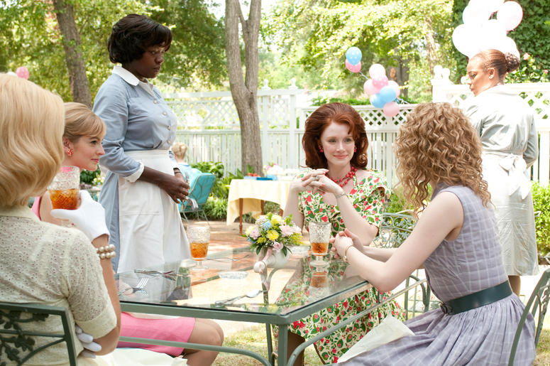 """Viola Davis, Bryce Dallas Howard, Emma Stone, Ahna O'Reilly, and Anna Camp in """"The Help"""" (Photo credit: 1492 Pictures/ Motion Pictures)"""