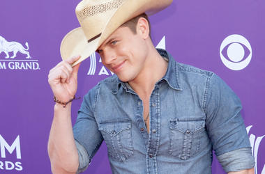 Dustin Lynch, Kelly Osbourne, Odd Couple, country radio, country,