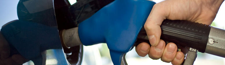 AAA: Austin area gas prices drop again this week