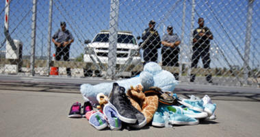 Feds seek removal of 20-day limit on immigrant family holds