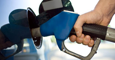 AAA: Austin-area gas prices fall this week