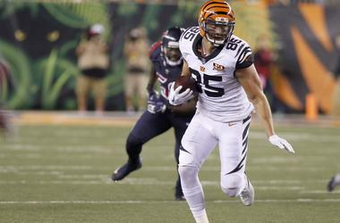 Sep 14, 2017; Cincinnati, OH, USA; Cincinnati Bengals tight end Tyler Eifert (85) runs against the Houston Texans during the second half at Paul Brown Stadium.