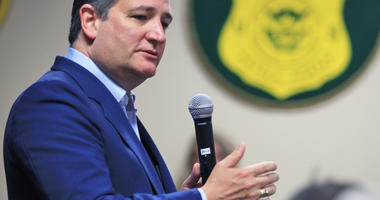 Cruz's flip-flop on family separation shows threat to GOP