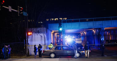 Chicago police: 2 officers die after being struck by train
