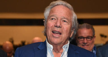 Plea deal offers to drop charges against Kraft